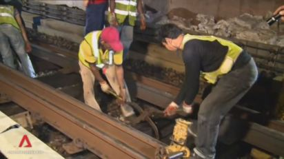 Installation of sleepers on MRT Rails, no wonder the MRTs can't run 24hrs