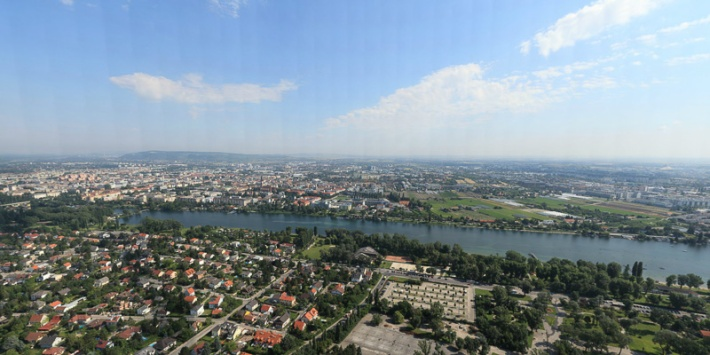 Vienna (50 Gigapixels) Credit: Photoartkalmar Click to view full Panorama